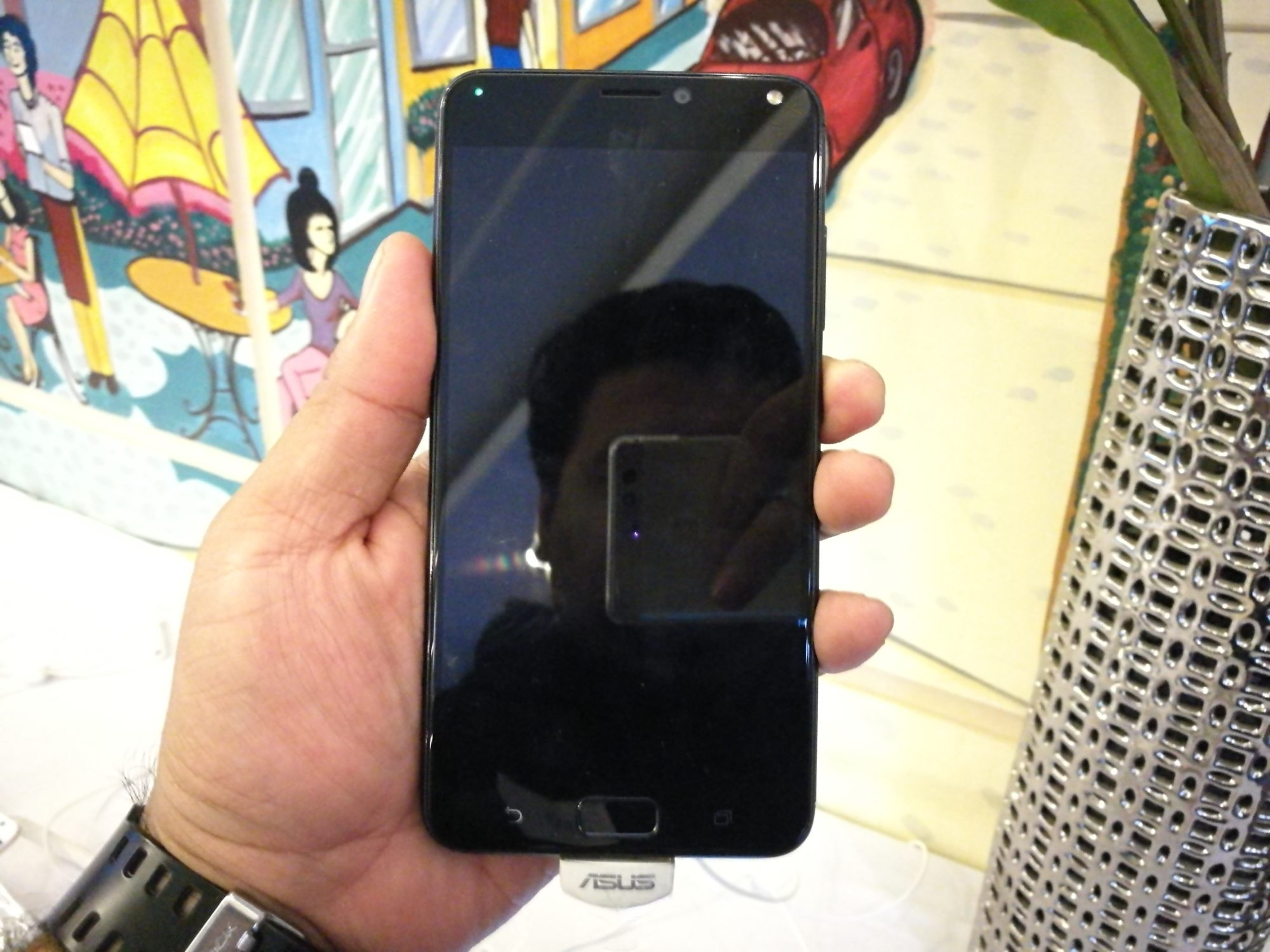 ZenFone 4 Max front