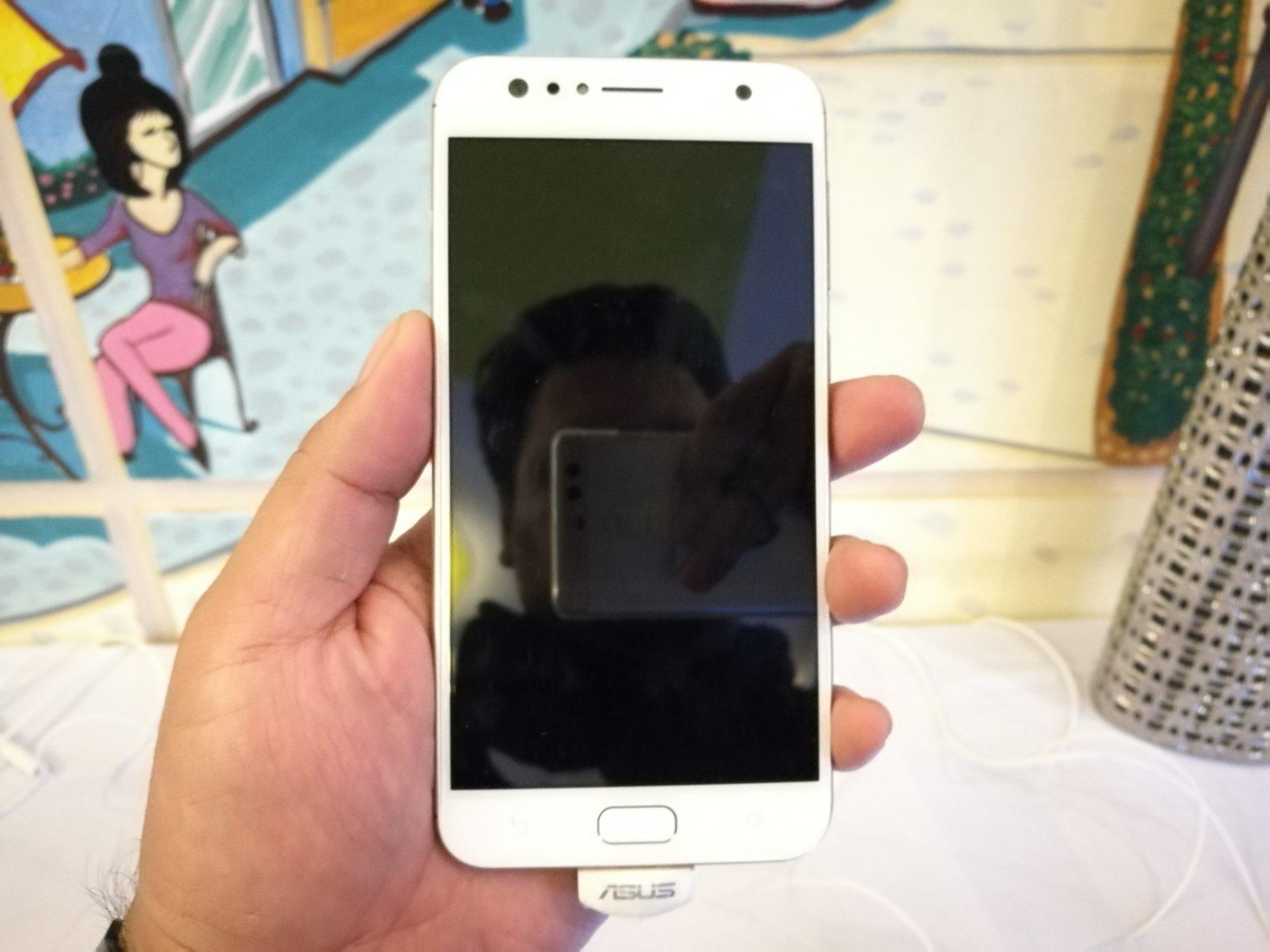 ZenFone 4 Selfie front