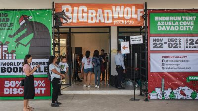 Using PayMaya QR to Shop at the Big Bad Wolf Book Sale in Davao City