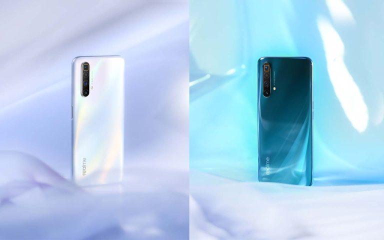 realme X3 SuperZoom Arctic White and Glacier Blue
